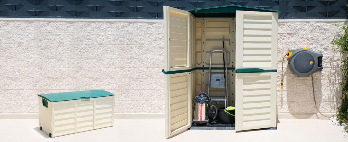 Consigue un trastero ordenado con armarios y baúles